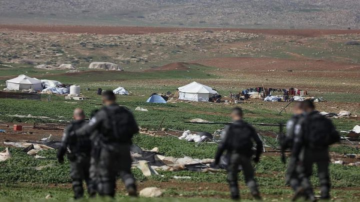 The occupation breaks into Khirbet Homsa al-Fawqa